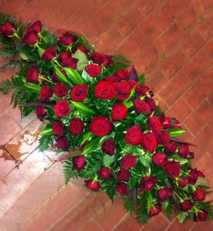 6ft Red Rose Coffin Top