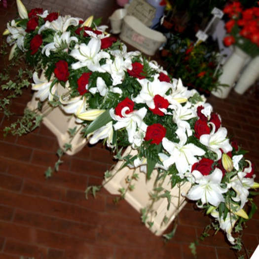 6ft Lily & Rose Coffin Spray