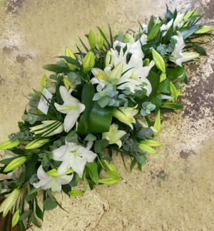 3ft Stunning All White Lily Spray