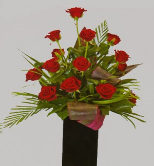 12 Red Roses in Black Vase