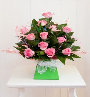 Stunning 12 Pink Rose Box